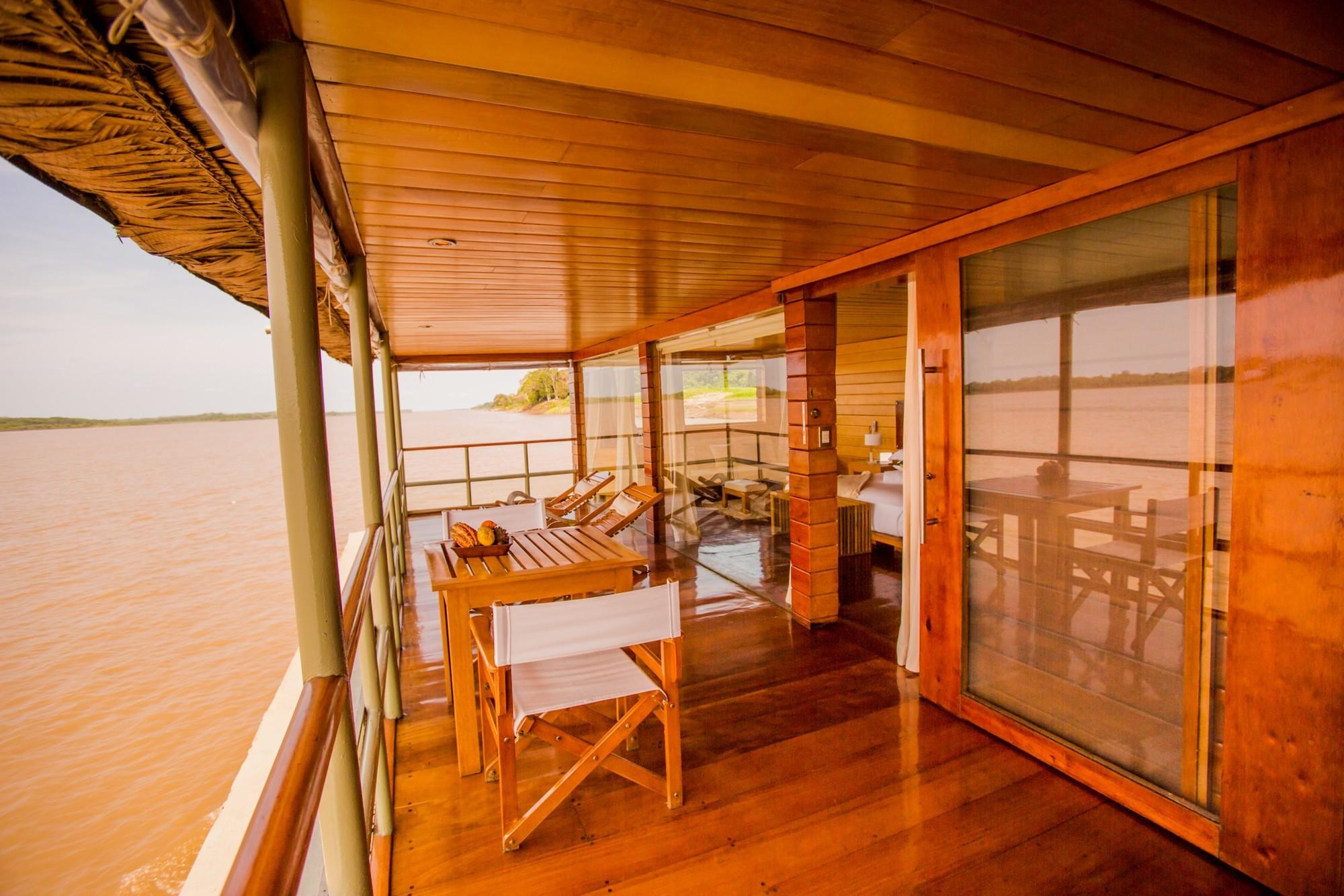Amazon River Cruise Peru delphin deck