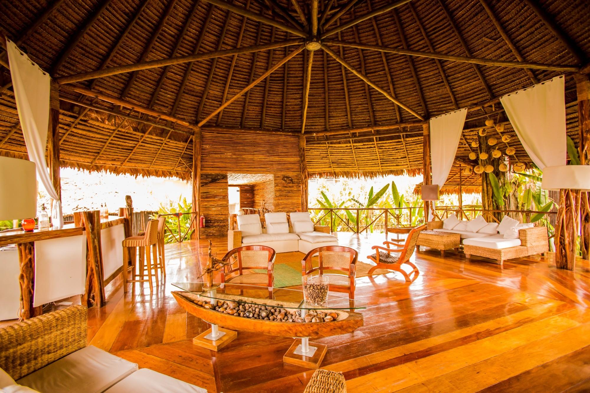 Amazon River Cruise Peru delphin rooms